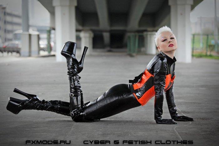 Фотография 1677043 из альбома Фетиш модель и дизайнер фетиш одежды Агна Дев