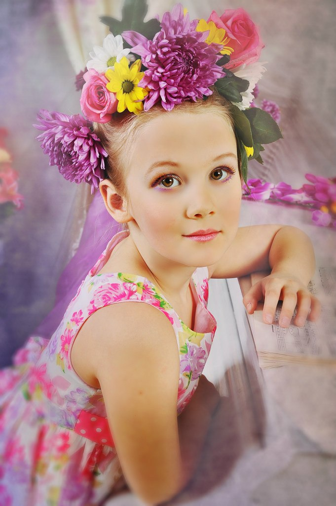 Детское фото с цветами